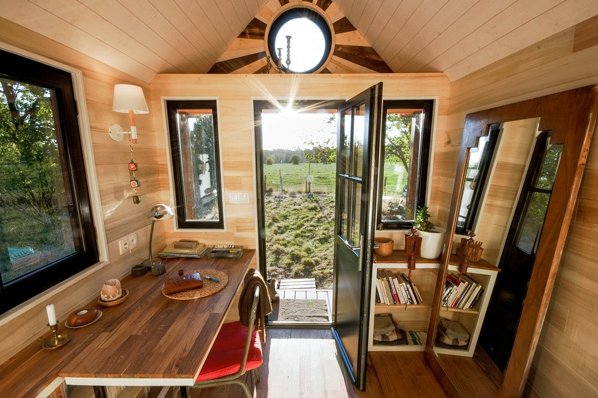 tiny house avonlea. Black Bedroom Furniture Sets. Home Design Ideas